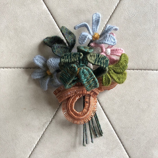Woven Wool Bouquet Brooch (extra large)