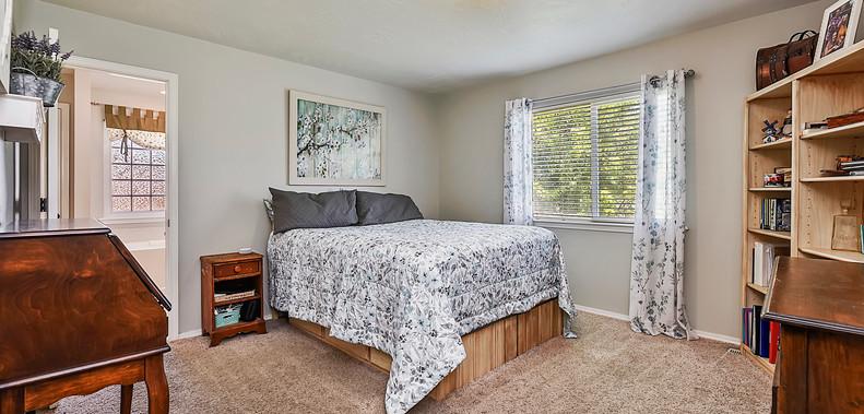 018_Bedroom.jpg