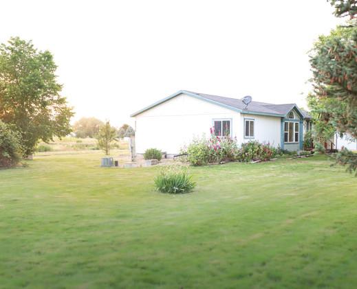 side pic of house.JPG