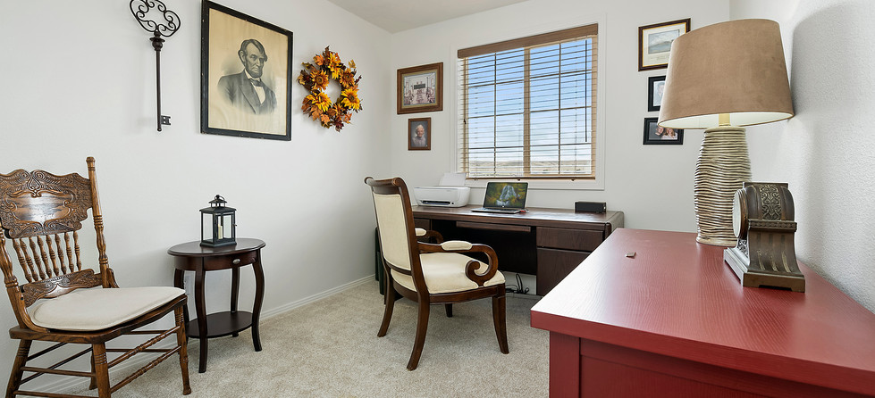 015_Office or Den.jpg