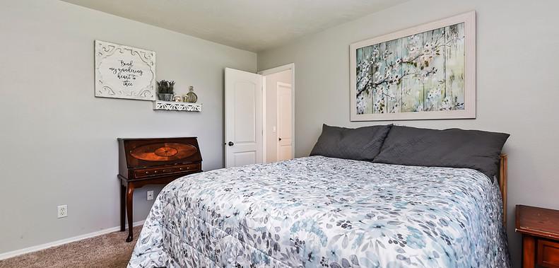 017_Bedroom.jpg