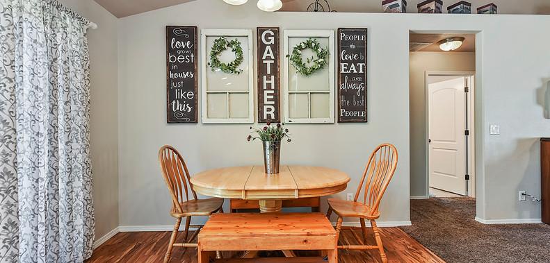 012_Dining Area.jpg