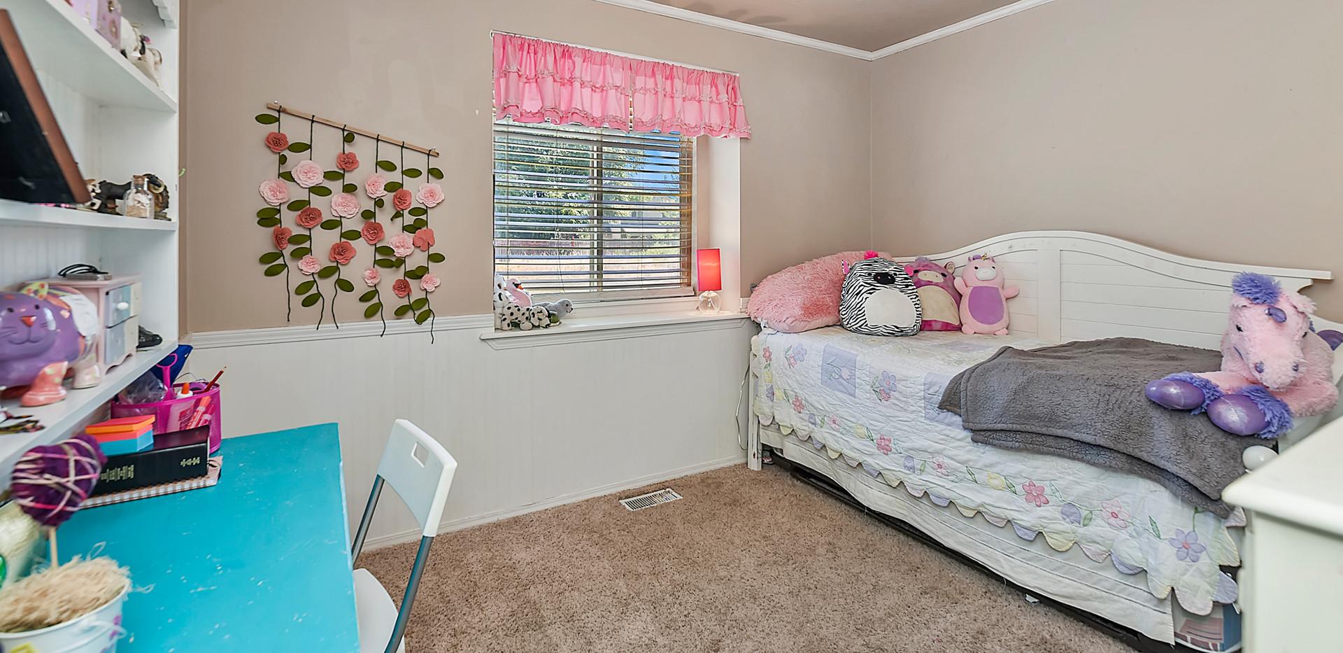 022_Bedroom.jpg
