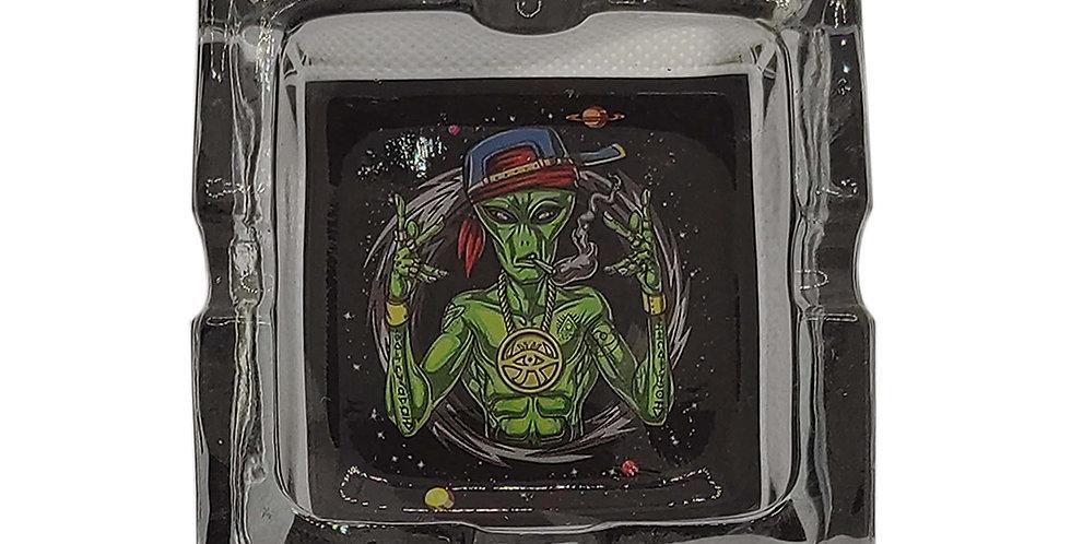 יואו יואו קבלו מסר מהחלל מאפרת זכוכית