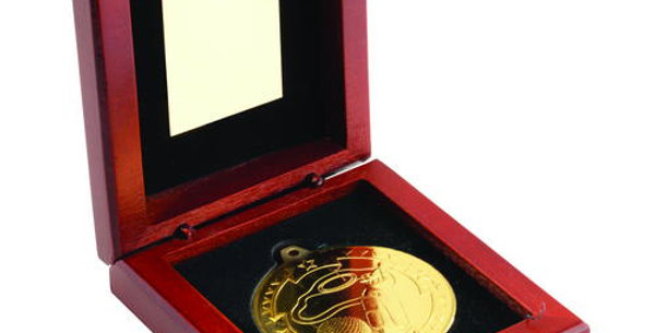 ROSEWOOD AND 50mm MEDAL GOLF TROPHY
