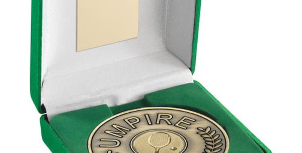 """GREEN BOX AND 70mm UMPIRE MEDALLION WITH TENNIS INSERT GOLD 4"""""""