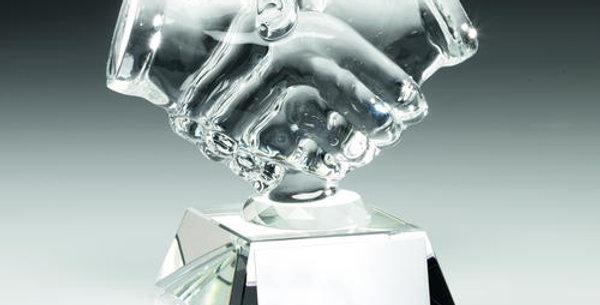 CLEAR GLASS 'HANDSHAKE' TROPHY