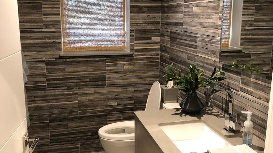 Sales office bathroom 2