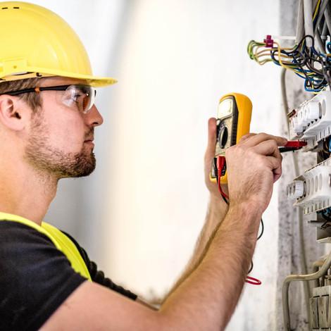Industrial-electric-panel-repair-5119908