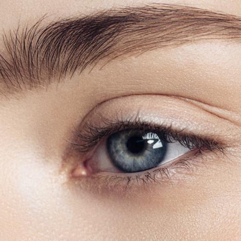 Close-up-studio-shot-of-woman's-eye-8284