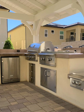 Outdoor Kitchen