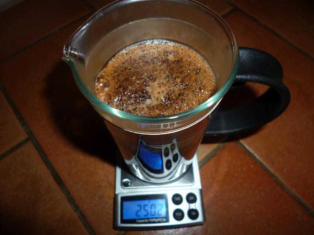 brewing coffee in a cafetiere.JPG