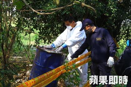 環保署人員和檢警現場採樣。林師民攝