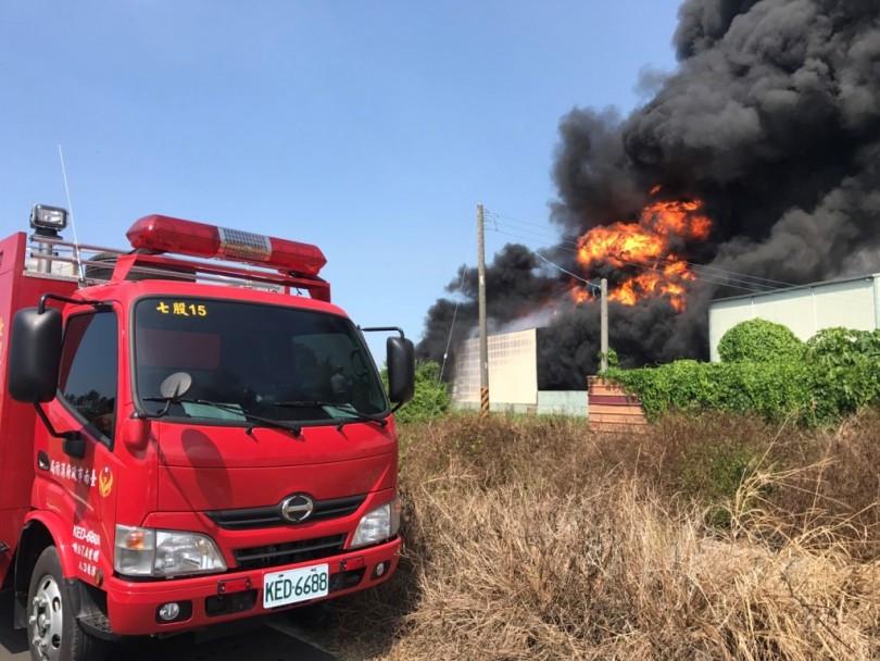 ▲支援消防15部。(圖片來源:記者吳仁傑攝)