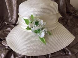 white hat embelshment.JPG