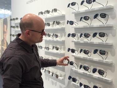 Auf der Suche nach neuen Brillentrends an der Opti München
