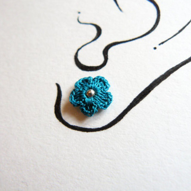 Ear studs available on #etsy _#blue #flo