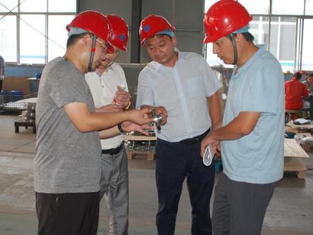 上市公司鲁泰集团项目总经理等集团领导一行人到隆泰公司视察,为寻求进一步合作对公司进行验厂审核,达成了合作意向。