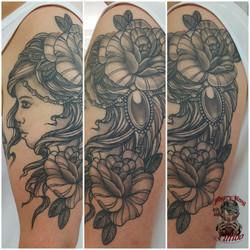 Old school tattoo girl