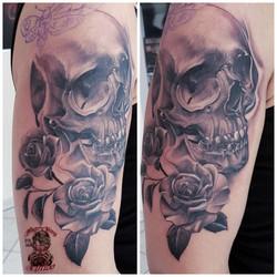 Skull and Rose / Toten kopf mit rose