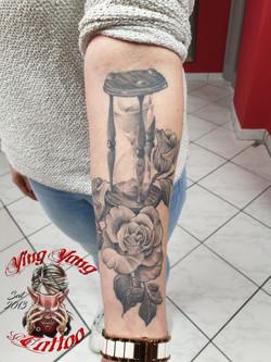 Sanduhr, Rosen Tattoo ab geheilt