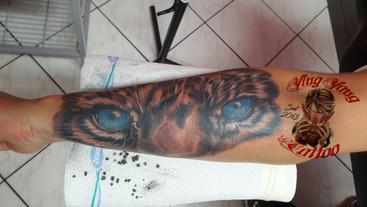 tiger augen tattoo.jpg