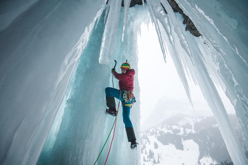 Daniel_Hug_BLACKYAK_ICECLIMB_MOUNTAINS_O