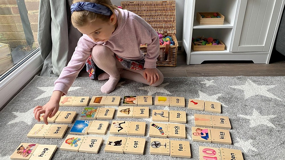 Wooden Hollys Phonics Set