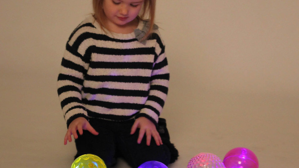 LARGE TEXTURED SENSORY FLASHING BALL SET