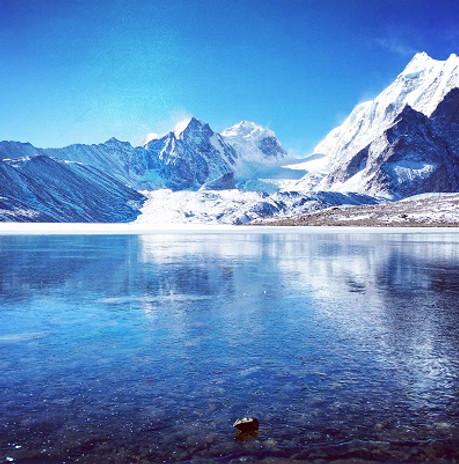 Gurudongmar_Lake,_Sikkim_,_India.jpg
