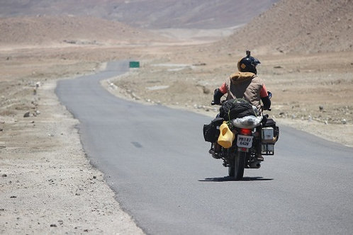 Manali-Leh-Ladhak Bike Tour (1 person, 1 bike - Twin/Double Room sharing)