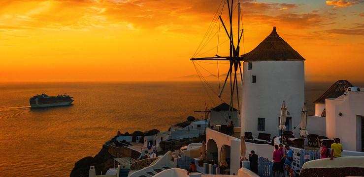 oia sunset2.jpg