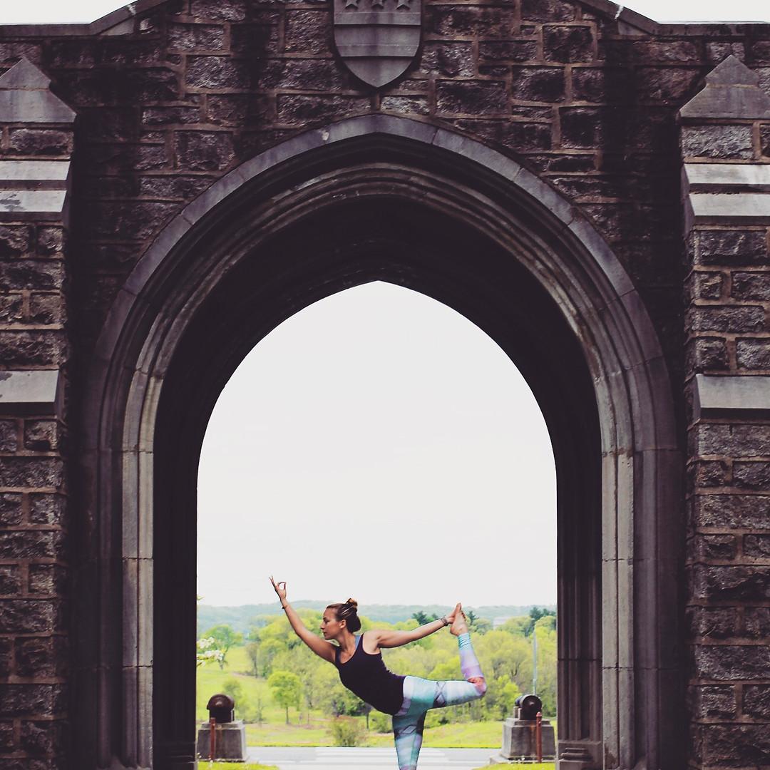 Lindsay-Bauer-Licensed-Therapist-Dancers.jpg