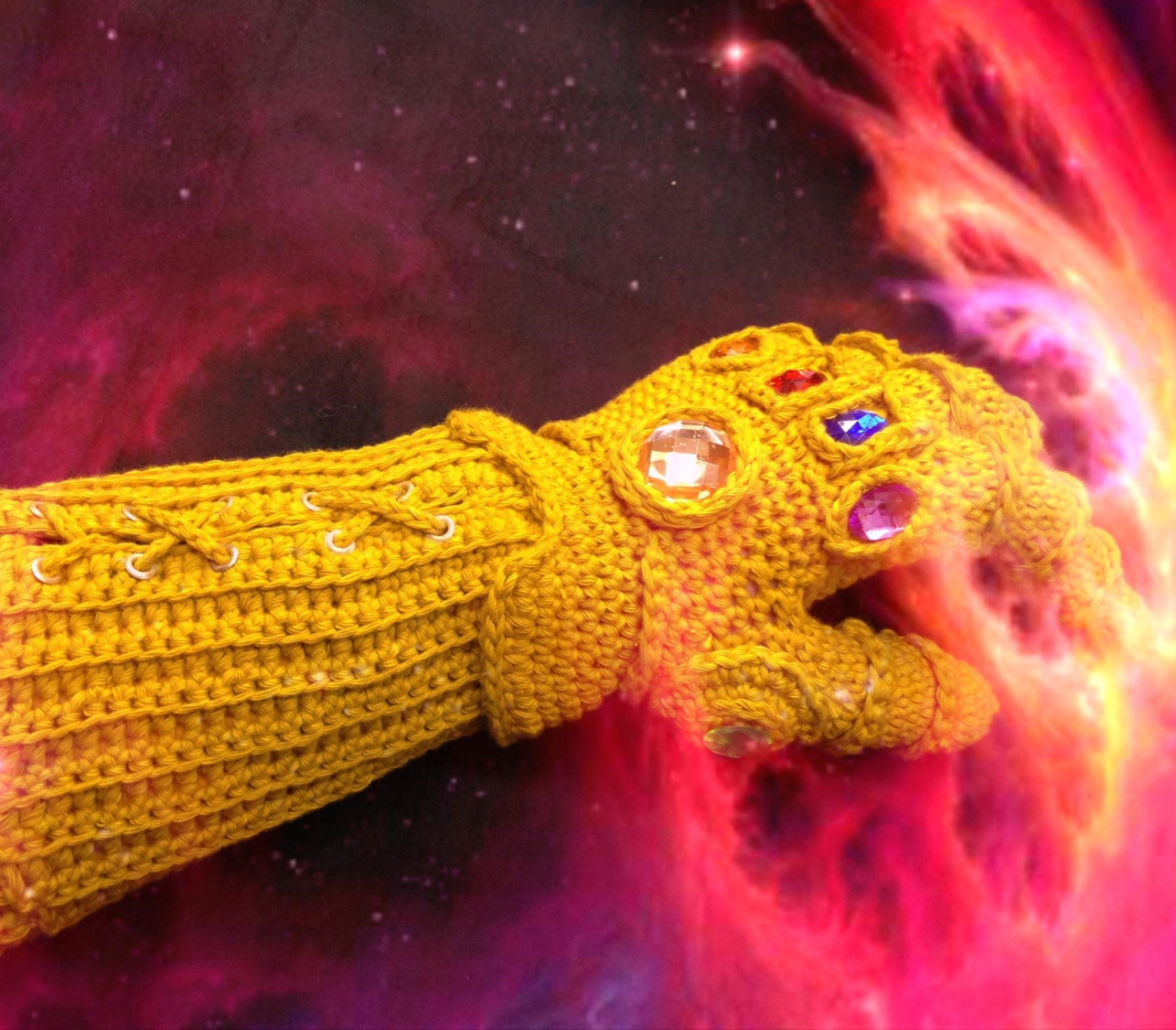 infinity gauntlet space 4 crochet (2)_edited