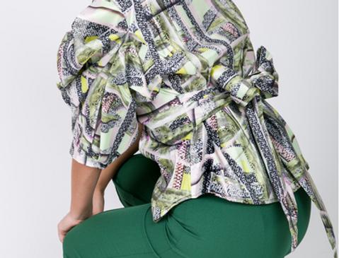 Puffy Sleeve w/ Waist Bow Tie Print Blouse