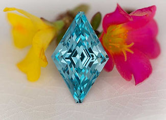Faceted aquamarine gem
