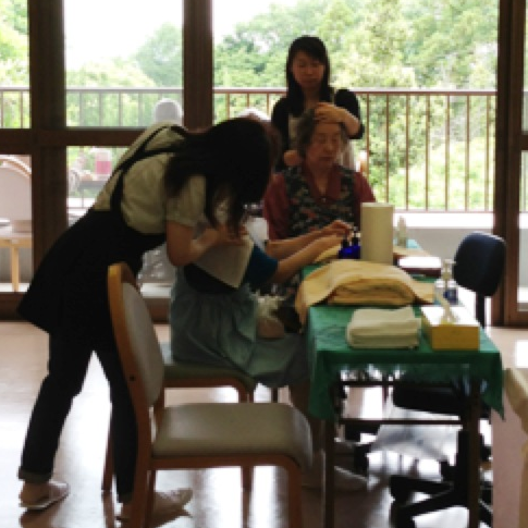 Head & Shoulder Massage