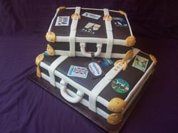 2 Suitcases wedding cake