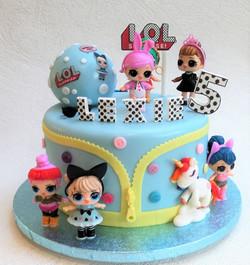 LOL Surprise Dolls cake