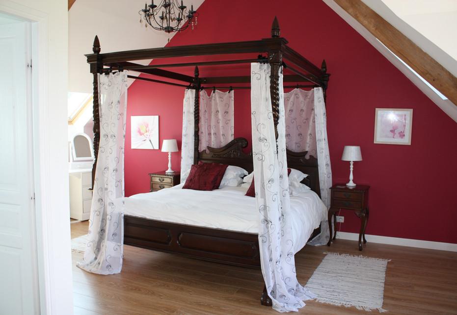 Grand Camus Master Bedroom Suite