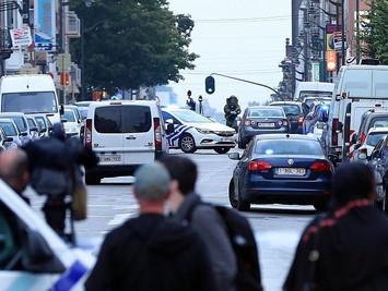 布鲁塞尔警方开枪截停可疑车辆 司机称车上有炸弹