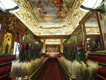 布鲁塞尔举办花艺展 市政厅同时开放