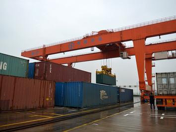 """""""一带一路""""中欧班列带动沿线贸易增长"""