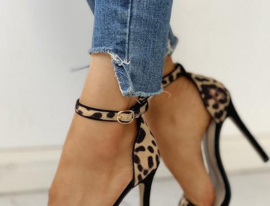 Sandálias Camurça Saltos finos