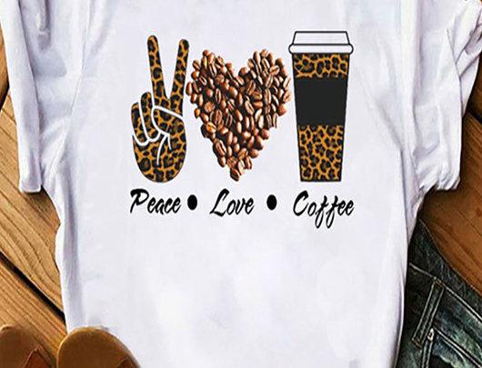 Camiseta casual com estampa de slogan