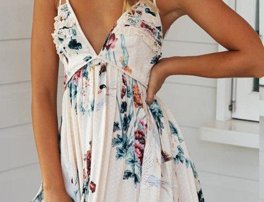 Mini vestido com estampa floral solta