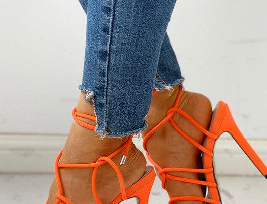 Sandálias Design com cordões