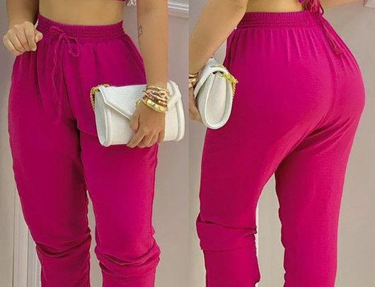Conjunto de calças com cordão e top