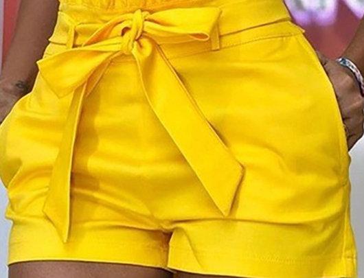 Shorts cintura alta com cinto
