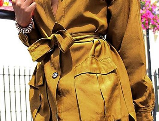 Casaco de design sólido com botões e bolso